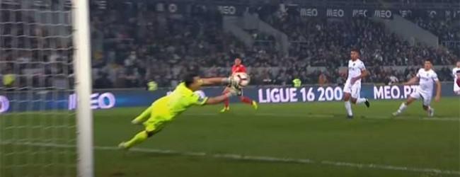 Douglas Jesus responde com destaque a remate arisco – Vitória SC 0-1 SL Benfica