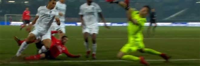 João Miguel Silva responde em velocidade de execução a curta distância – Vitória SC 0-1 SL Benfica