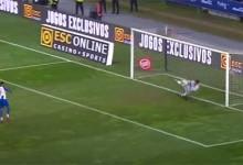 Renan Ribeiro defende, erra e é herói no penalti defendido para dar Taça da Liga ao Sporting CP