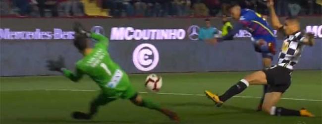 Rafael Bracali evita golo no um-para-um – GD Chaves 1-1 Boavista FC