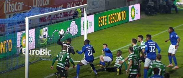 Renan Ribeiro protagonista em duas defesas espetaculares – CD Feirense 1-3 Sporting CP