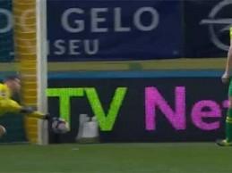 Cláudio Ramos impede golo em defesa complicada – CD Tondela 1-1 CD Feirense