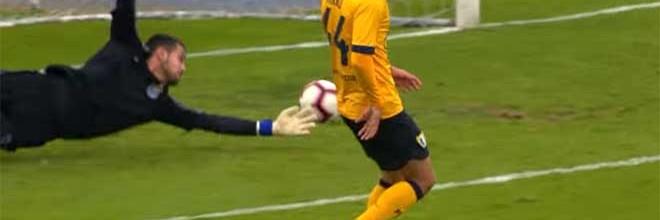 Diogo Costa responde em duas defesas vistosas – FC Porto B 1-1 FC Famalicão