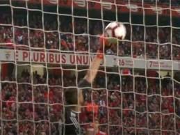 Odisseas Vlachodimos voa em defesa espetacular – SL Benfica 1-0 CD Tondela