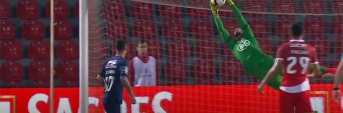 Muriel Becker assina três defesas espetaculares (agarra numa), além de penalti cometido – CD Aves 3-0 Os Belenenses