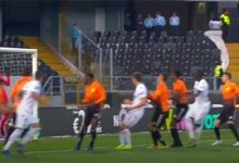 Daniel Guimarães faz duas defesas vistosas – Vitória SC 2-2 CD Nacional