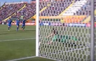 Marco Carnesecchi defende grande penalidade no Itália 0-0 Japão (Mundial sub-20)