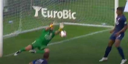 Mika Domingues destaca-se em duas defesas vistosas – Os Belenenses 3-0 CD Nacional