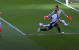 Odisseas Vlachodimos evita dois golos no um-para-um – SL Benfica 5-1 Portimonense SC