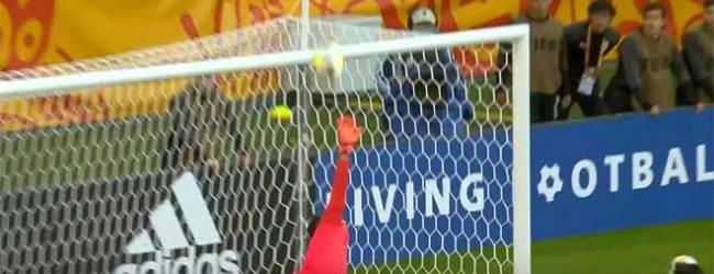 Cameron Brown destaca-se em duas defesas – Nova Zelândia 0-2 Uruguai (Mundial sub-20)