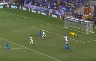 Eloy Room tranca a baliza com várias intervenções – Curação 1-0 Honduras (Gold Cup)