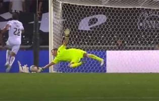 Douglas Jesus vale empate ao executar defesa espetacular – Vitória SC 1-1 FC Famalicão