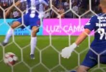 Giorgi Makaridze defende com dificuldades e sofre com erro – FC Porto 4-0 Vitória FC