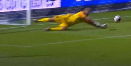 Pawel Kieszek desvia remates em situações de aperto após sofrer com interferência – FC Famalicão 1-0 Rio Ave FC