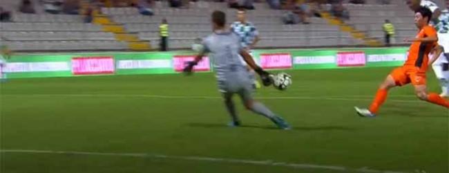 Ricardo Ferreira sai para evitar outro golo no um-para-um – Moreirense FC 1-0 Portimonense SC