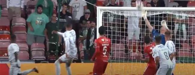 Giorgi Makaridze espalma cabeceamento – Gil Vicente FC 0-0 Vitória FC