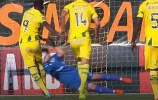 Marco Rocha defende duas grandes penalidades além de outra defesa espetacular – CD Tondela 0-0 CD Santa Clara