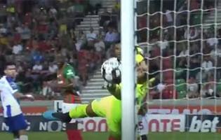 Amir Abedzadeh faz defesa espetacular após intervenção incompleta – CS Marítimo 1-1 FC Porto