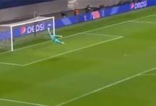 Yvon Mvogo faz defesa espetacular para impedir golo do meio-campo – RB Leipzig 2-2 SL Benfica