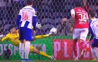 Matheus Magalhães defende grande penalidade – FC Porto 1-2 SC Braga