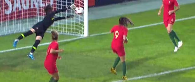 Inês Pereira espetacular em três defesas – Portugal 0-2 Suécia (Algarve Cup)