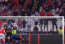 Mateus Pasinato defende penalti e protagoniza várias defesas caricatas – SL Benfica 1-1 Moreirense FC