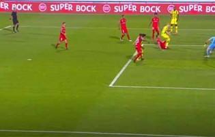 Dênis intervém várias vezes até defesa incompleta – Gil Vicente FC 3-2 CD Tondela