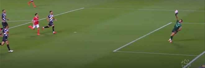 Helton Leite defende várias vezes entre precipitações – SL Benfica 3-1 Boavista FC