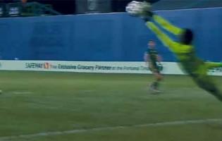 Andre Blake vence prémio Golden Glove do torneio MLS Is Back com várias defesas espetaculares