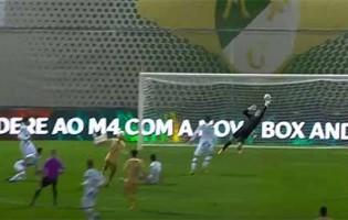 Mateus Pasinato intervém após sofrer golo do meio-campo – Moreirense FC 1-1 Boavista FC