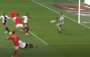 Rafael Defendi intervém em duas situações – SL Benfica 3-2 SC Farense