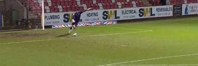 Tom King marca golo em pontapé de baliza e estabelece recorde Guiness – Cheltenham 1-1 Newport County