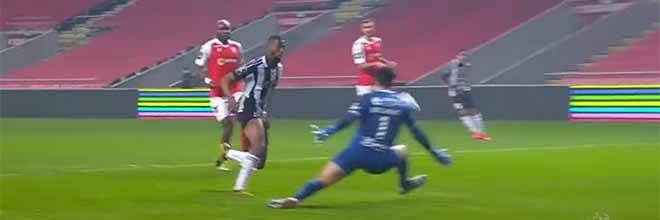Matheus Magalhães em defesas de nível – SC Braga 2-1 Portimonense SC