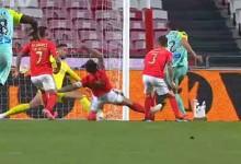 Helton Leite fecha a baliza em defesa complicada – SL Benfica 1-0 CS Marítimo