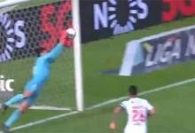 Stanislav Kritciuk desvia bola para o poste após precipitação – Belenenses SAD 2-1 Gil Vicente FC
