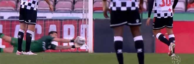 Léo Jardim impede segundo golo em desvio lateral – Gil Vicente FC 1-2 Boavista FC