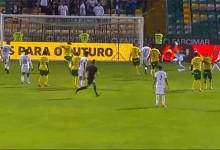 André Ferreira atira-se para a bola e consegue fechar a baliza – FC Paços de Ferreira 2-0 FC Famalicão