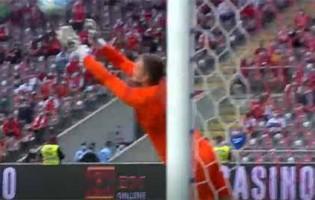 Matous Trmal consegue fechar a baliza em lances dificultados – SC Braga 0-0 Vitória SC
