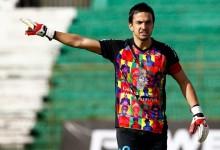Felipe Núñez usa indumentária homenageando Gustavo Cerati, músico falecido ontem
