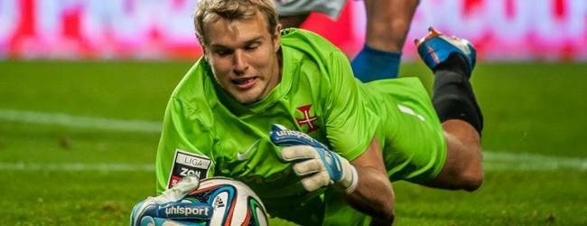 Matt Jones assume responsabilidades pelo erro contra o Vitória
