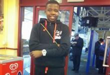 Onaiwu, guarda-redes de 15 anos, negociado pelo Manchester United