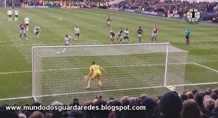Adrián é o primeiro guarda-redes na história da Premier League a defender 3 penaltis consecutivos