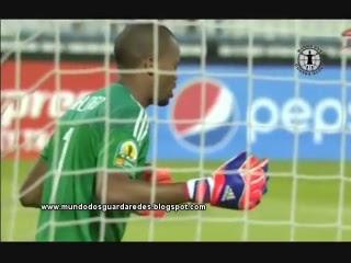 Brighton Mhlongo homenageou Senzo Meyiwa com baliza virgem no Sfaxien 0-1 Orlando Pirates