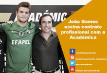 João Gomes assina contrato profissional com a Académica