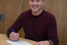 Paul Robinson assina pelo Burnley FC