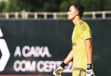 Miguel Santos decisivo após expulsão de colega no SL Benfica B 2-0 SC Farense