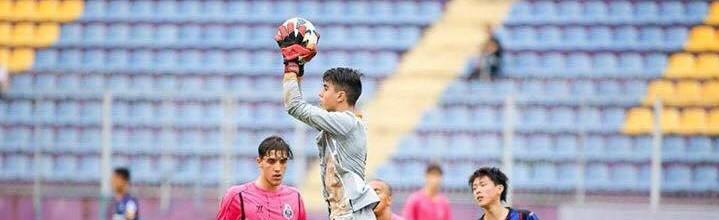 Diogo Costa, aos 16 anos, treina no plantel sénior do FC Porto
