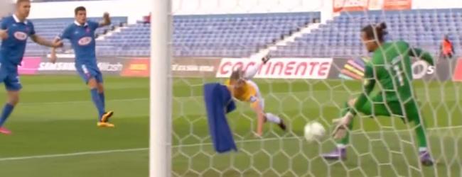 Ricardo Ribeiro erra e acaba como melhor em campo no CF Os Belenenses 2-1 Estoril