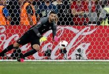 Rui Patrício celebra 50ª internacionalização por Portugal com penalti defendido na passagem à meia-final