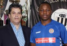 Ohoulo Framelin assina pelo CD Nacional